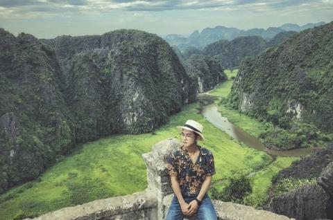Tour ghép Ninh Bình Hoa Lư Tràng An - Bích Động - Vân Long