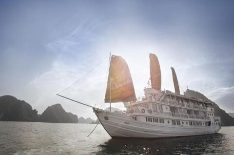 Du thuyền 5 sao tại Hạ Long APhrodite Cruise
