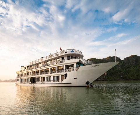 Du thuyền 5 sao Hạ Long Aquamarine Cruise 2 ngày 1 đêm